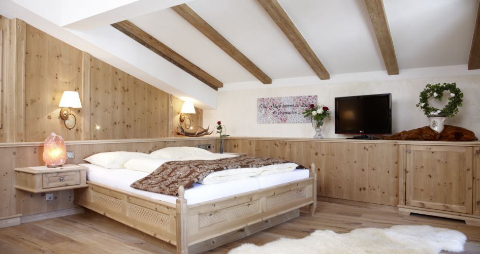 Organic luxury room 3/4