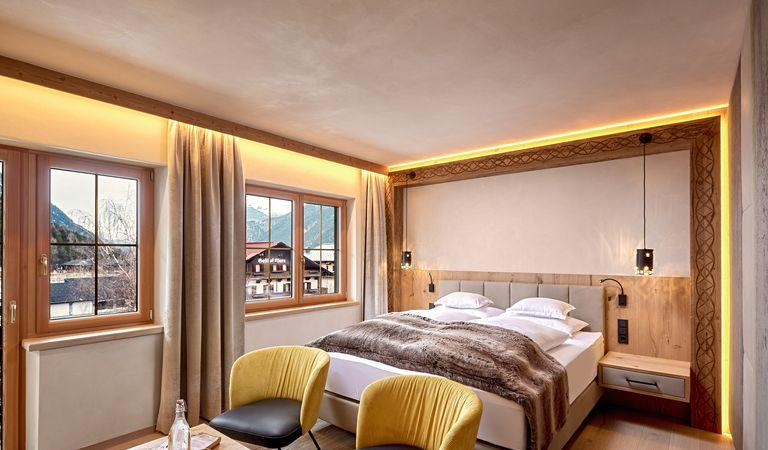 Hotel Room: Alpencharme-Zimmer NEW