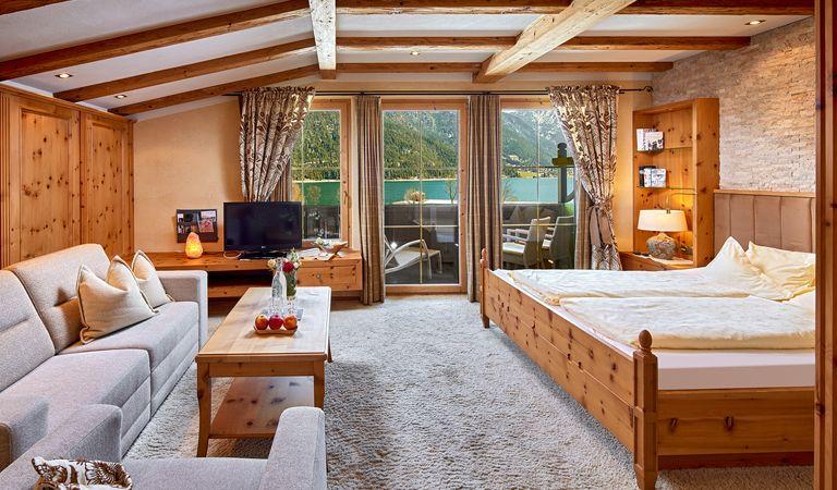 Hotel Room: Panorama Junior Suite