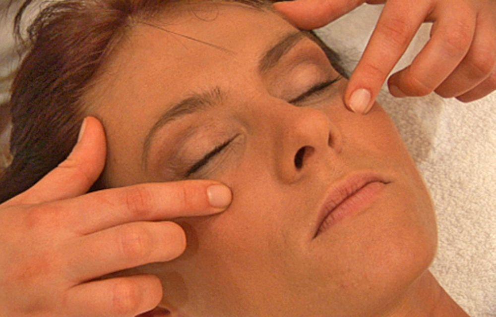 More Energy Kopf- und Gesichtsmassage
