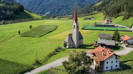 Estate in Alto Adige | Alpenpalace Luxury Hideaway & Spa Retreat