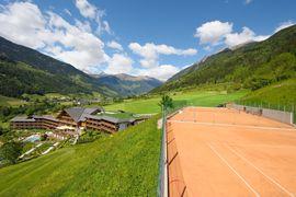 5 Tennissanplätze direkt am Hotel Andreus und Hotel Sonnenalm