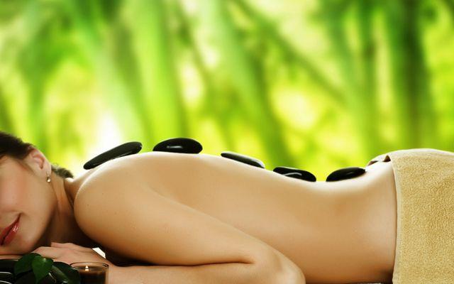 Hot Stone Back Massage - Mia Alpina