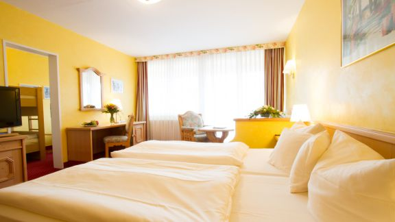 "Family Double Room ""Hochstein"" 1/2 - PFALZBLICK WALD SPA RESORT"