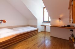 Single room (small, in the stairwell) (3/3) - Alter Wirt