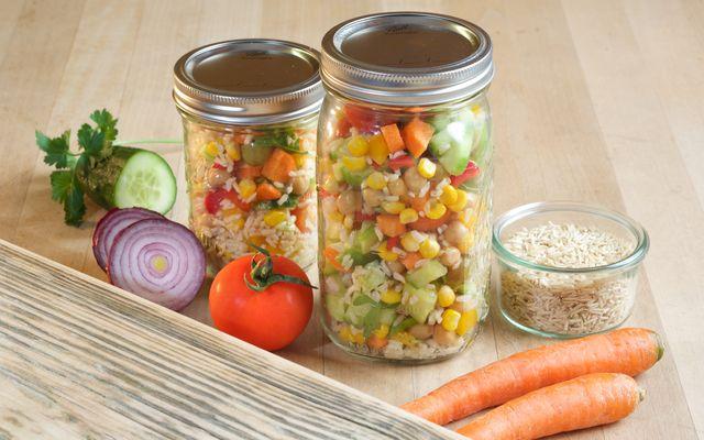 Biohotel AnNatur: BuddhaBowls und Salate im Glas