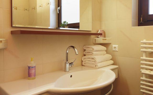 Biolandhaus Arche: Badezimmer