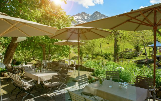 Biohotel Chesa Valisa: Entspannen auf der Terrasse