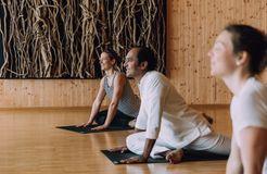 Biohotel Chesa Valisa: Yoga im Yogaraum - Das Naturhotel Chesa Valisa, Hirschegg/Kleinwalsertal, Vorarlberg, Österreich