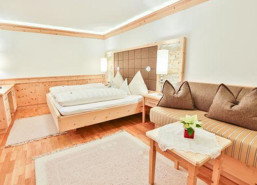 Single room stone pine without balcony (1/1) - Biohotel Schweitzer