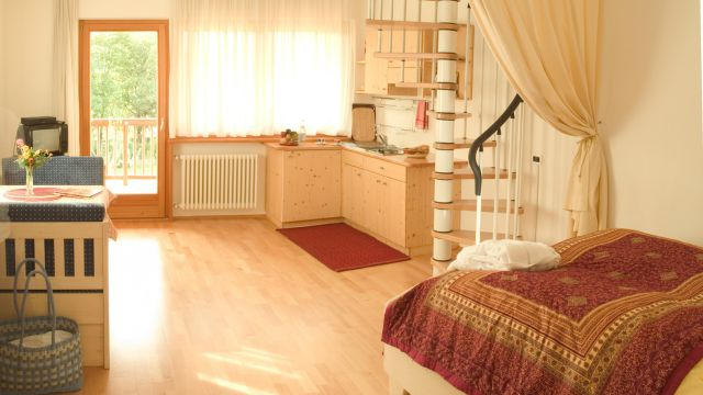 Appartement Kat. 32+