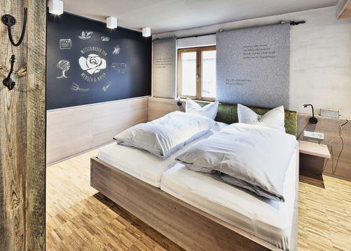 Biohotel Rose: Junior Suite - Bio-Hotel und Restaurant Rose, Hayingen-Ehestetten, Baden-Württemberg, Deutschland
