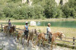 BIO HOTEL Anna: Austritt - Landhotel Anna & Reiterhof Vill, Schlanders, Vinschgau, Trentino-Südtirol, Italien