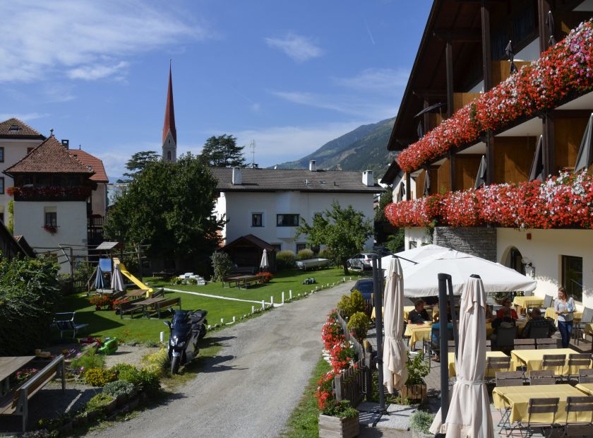 Landhotel Anna & Reiterhof Vill, Schlanders, Trentino-Alto Adige, Italia (1/19)