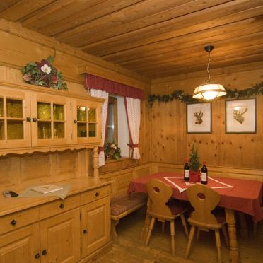 Dining table, Auhofalm in Jochberg, Tirol, Tyrol, Austria
