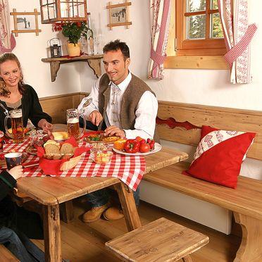 Alpine-Lodges Matthias, Esstisch