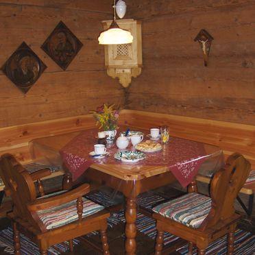 Gimpi Hütte, Esstisch