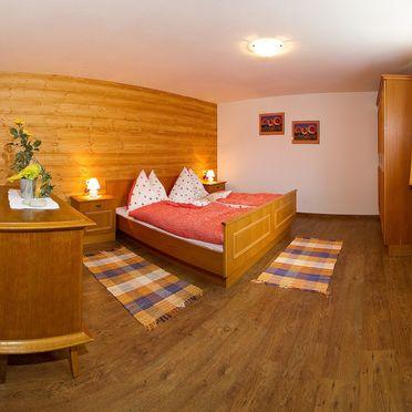 Schlafzimmer, Schmaranzhütte, Großarl, Salzburg, Salzburg, Österreich