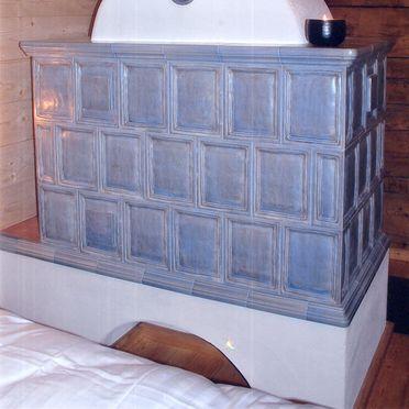 Goldwäscherhütte, Tiled stove