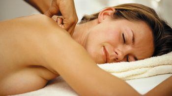 Massage complet du corps aux huiles essentielles