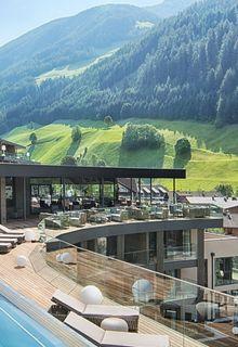 NEU: Das Design-Wellnessresort in Südtirol - AMONTI & LUNARIS