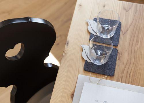 Biohotel Pennhof Zimmer Laureus Detail Gläser (1/3) - Pennhof