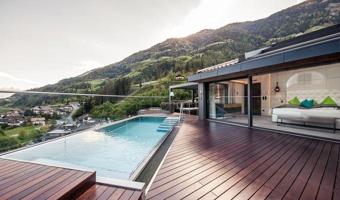 Sky-Chalet mit Sternwarte, Pool, Hot-Whirlpool und Sauna auf der privaten Panorama-Dachterrasse: - 50% wegen Stornierung