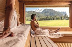 Biohotel Holzleiten: Sauna mit Blick auf die Tiroler Berge - Bio-Wellnesshotel Holzleiten , Obsteig, Tirol, Österreich