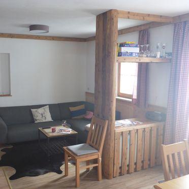 Wohnbereich, Steinkogelhütte am Feuerkogel, Ebensee, Oberösterreich, Oberösterreich, Österreich