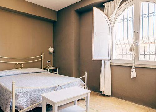"""Double room """"I Milinciani"""" (1/3) - Bio-Agriturismo """"La Casa di Melo"""""""