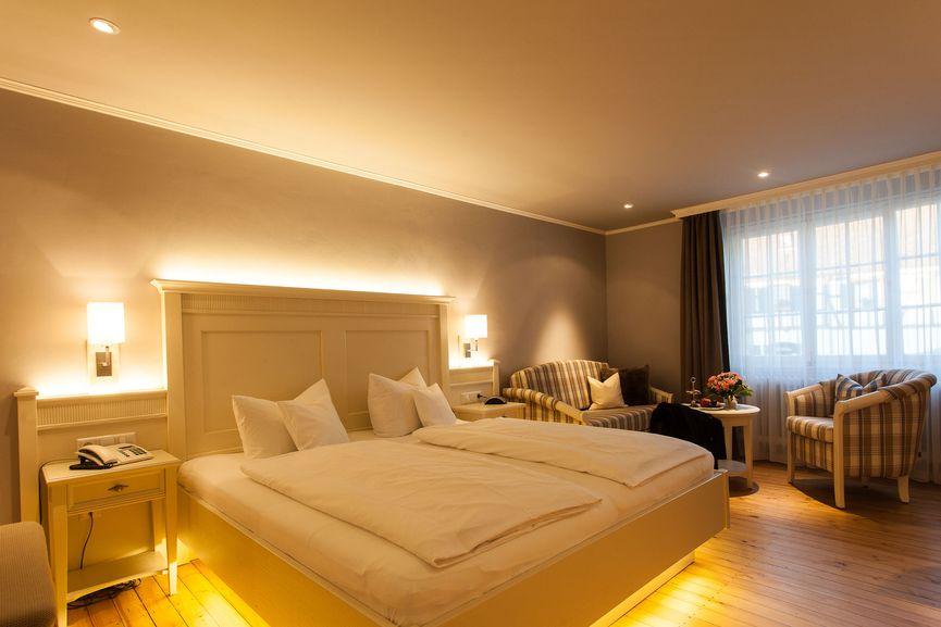 Gemütliches & großzügiges Romantil Doppelzimmer im Hotel Zur Sonne