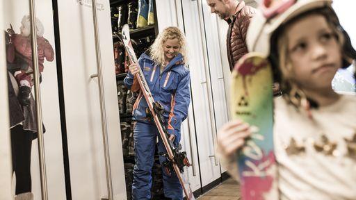 Skidepot mit Skiverleih und hauseigener Skischule MiKas ZIMI-Club im Allgäu