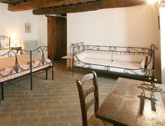 """Multi-Bed Room """"Flaumeiche"""" - Bio-Agriturismo La Cerqua"""