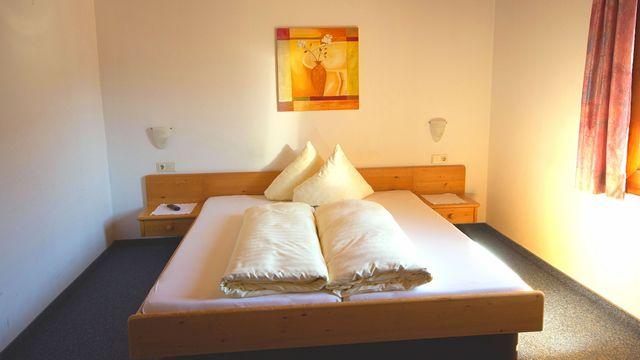 Zimmer für Single mit Kind im Hotel Stefan | 15 qm