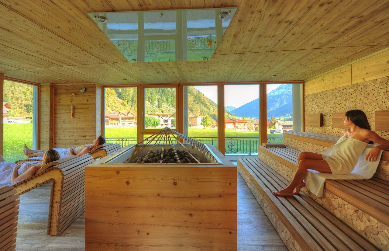 IMP_Familienhotel_Alpenhotel_Kindl_Sauna.jpg