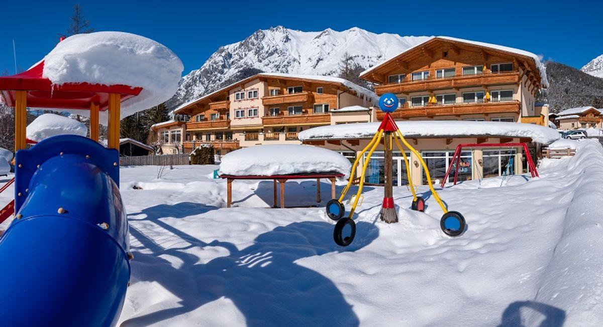 Wintertage mit Kinder - Skipaket (Kurs, Liftkarte und Ausrüstung)