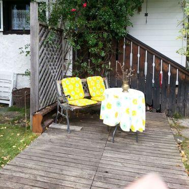 Romantik Hütte, Vor der Hütte
