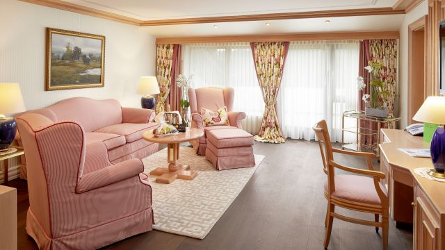 Luxury Suite Type III