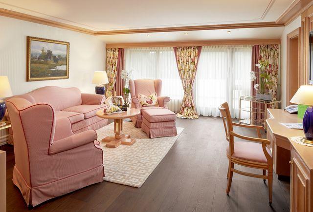 Hotel Dollenberg in Bad Peterstal–Griesbach: Luxus-Suite Typ III (Last Minute)