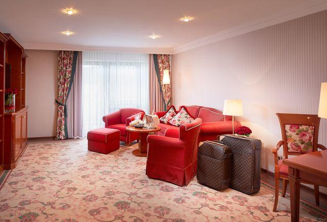 Hotel Dollenberg in Bad Peterstal–Griesbach: Suite de luxe type VI vue côté vallée (Last Minute)