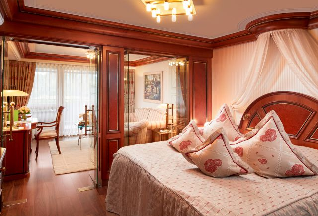 Hotel Dollenberg in Bad Peterstal–Griesbach: Suite Typ I Talseite (Last Minute)
