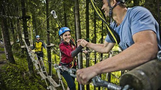 Kletterspaß im Familienurlaub im Lengauer Hof in Saalbach Hinterglem.