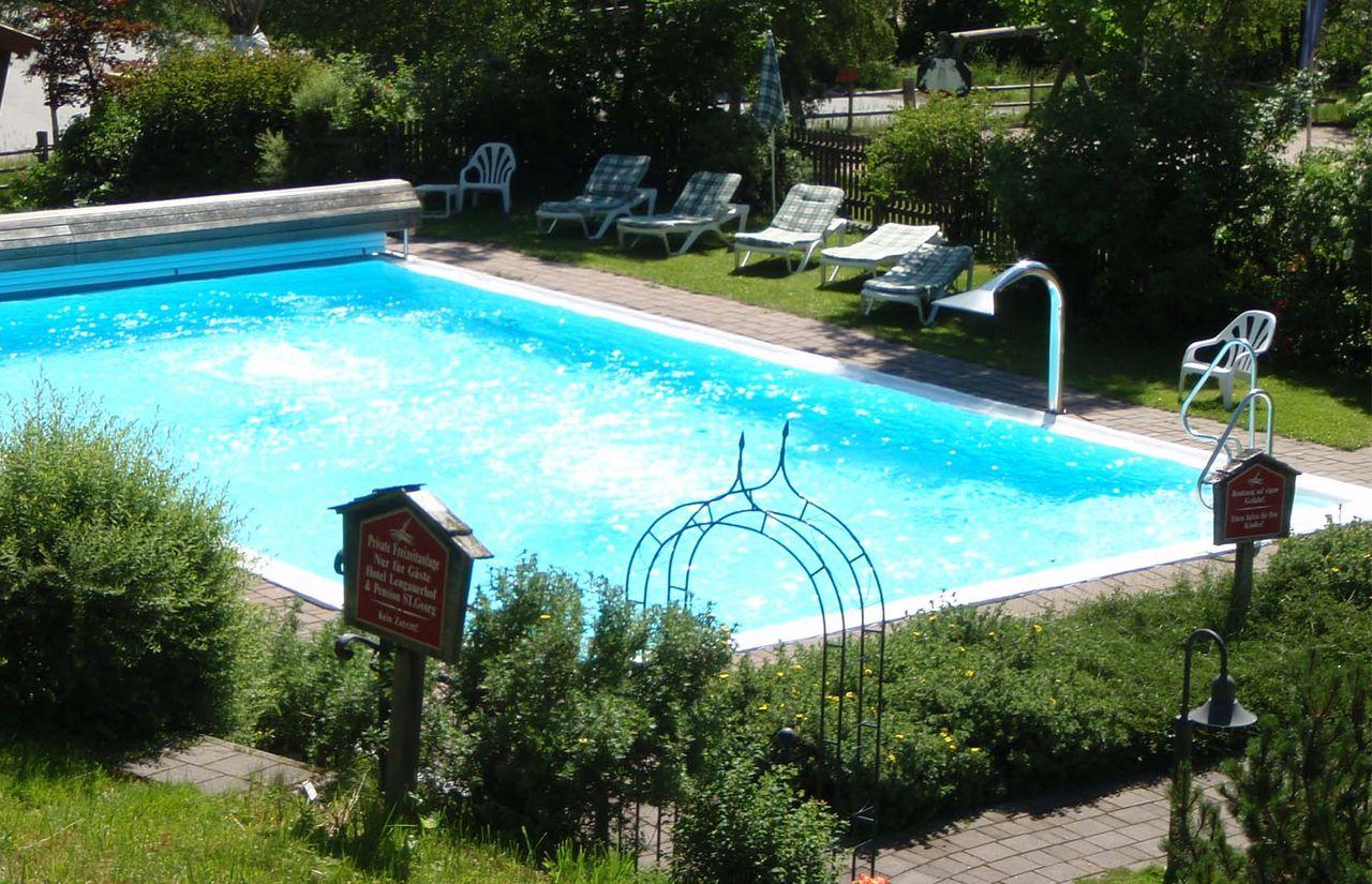 imp_lengauer-hof_outdoor-pool.jpg