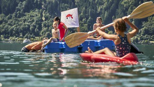 Urlaub mit Seeanschluss! Familienurlaub im Familotel Amiamo direkt am Ufer des Zeller Sees genießen.