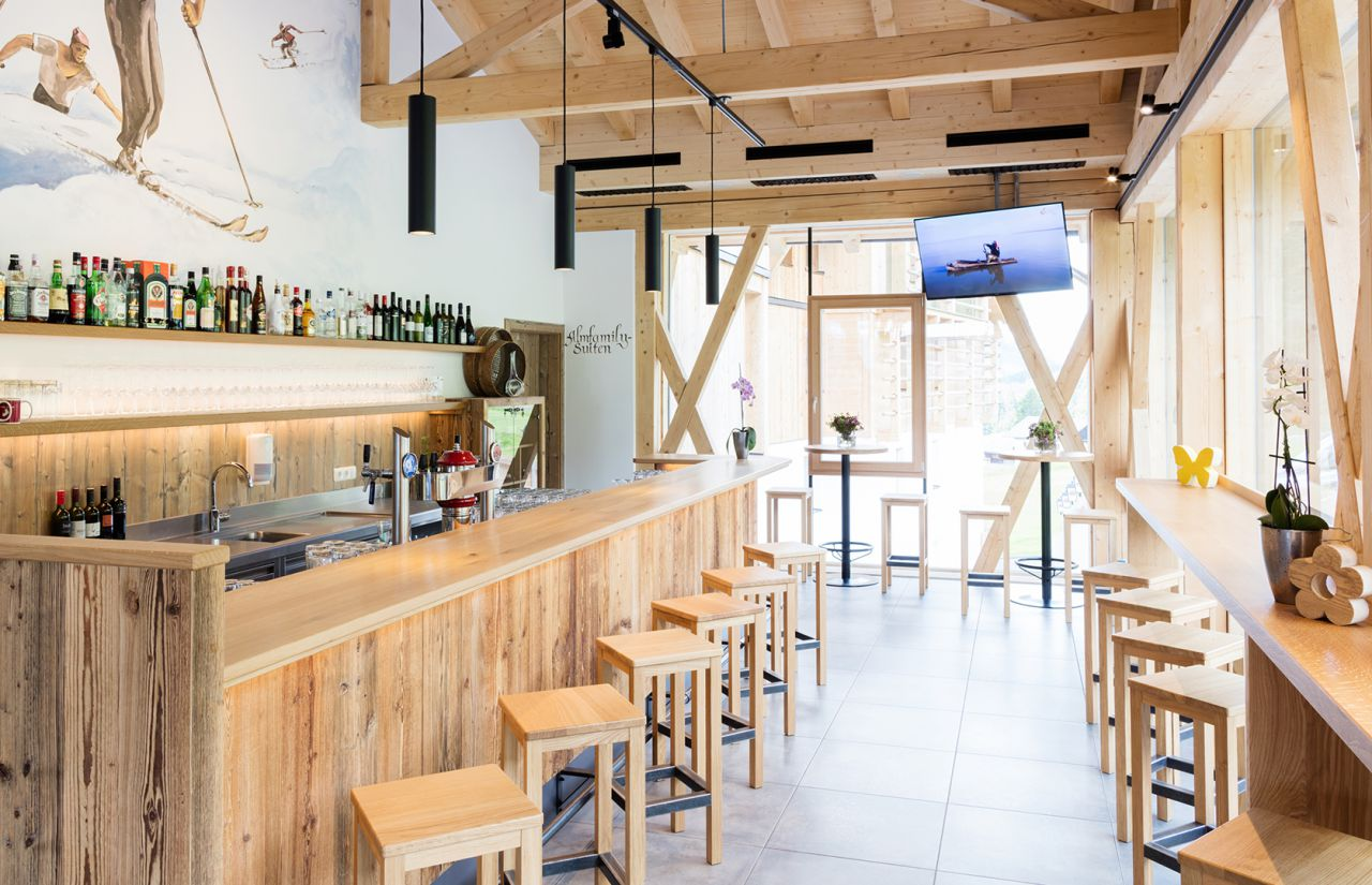 IMP_Familienhotel_Almfamilyhotel_Scherer_Restaurant_Bar.jpg