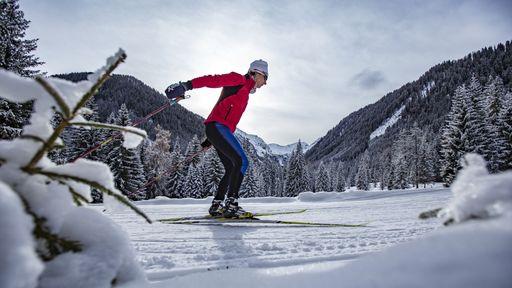 Winterwandern durch märchenhaft verschneite Landschaften