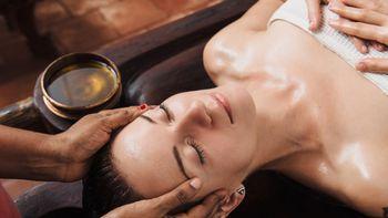 Ayurvedische Kopf-, Gesichts-& Dekolettemassage Shiroabhyanga