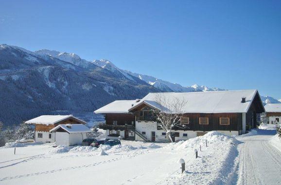Winter, Bauernhaus Hollersbach  in Hollersbach, Salzburg, Salzburg, Austria