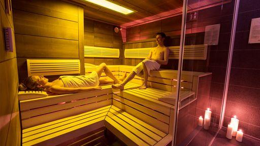 Die einzigartige Saunalandschaft im Familotel Aigo garantiert eine angenehme, entspannende und wohltuende Atmosphäre.