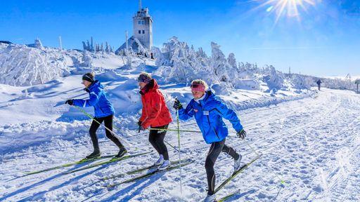 Erleben Sie einen unvergesslichen Winterurlaub im Elldus Resort - Familotel Erzgebirge.